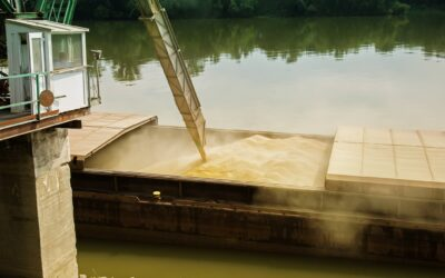 America's Agriculture Harvest Relies on River Transportation
